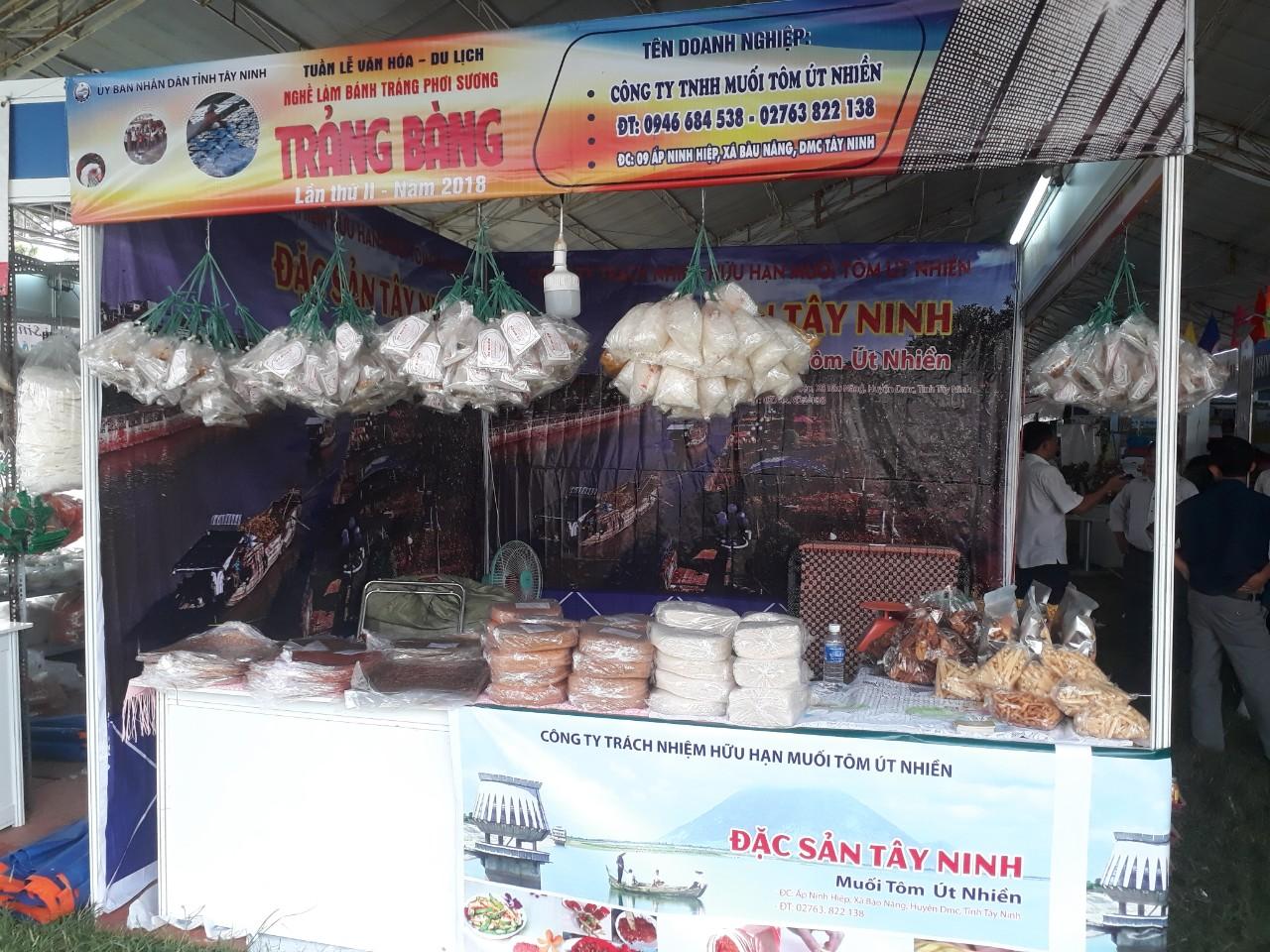 Đặc Sản Tây Ninh - Muối Tôm Bánh Tráng Út Nhiền