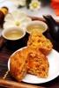 Bánh Trung Thu Yến Sào 120g, Hộp 4 Bánh (2 Thập Cẩm + 2 Mềm)